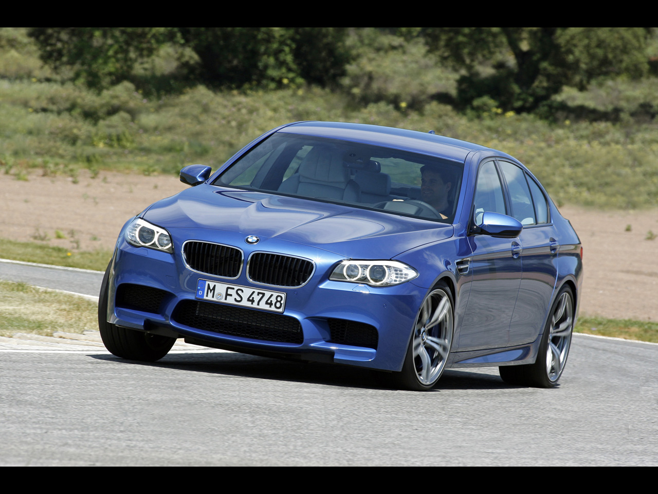 2012 bmw m5 pictures specifications and information. Black Bedroom Furniture Sets. Home Design Ideas