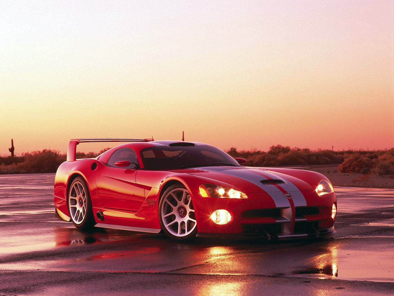 2000 Dodge Viper GTS-R Concept Pictures, Specifications ...