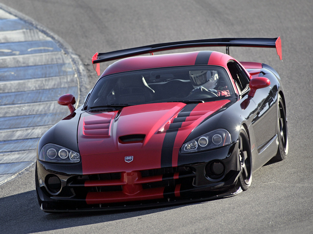 2010 dodge viper srt10 acr pictures specifications and. Black Bedroom Furniture Sets. Home Design Ideas