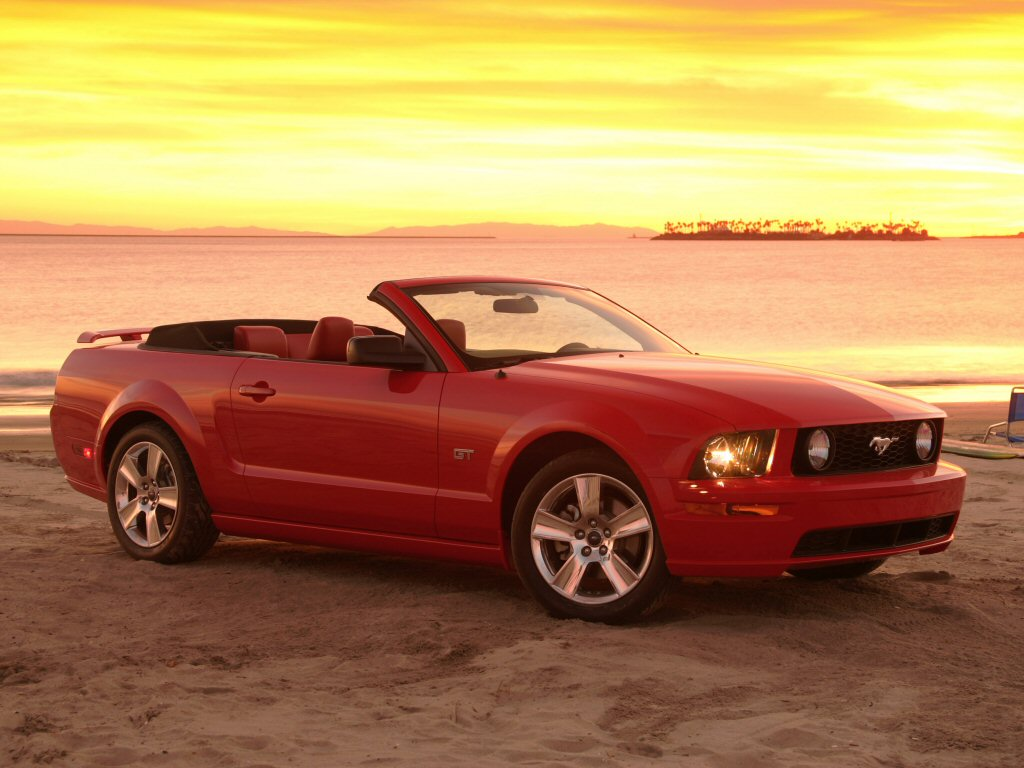 Фото Ford Mustang Cabrio 200…
